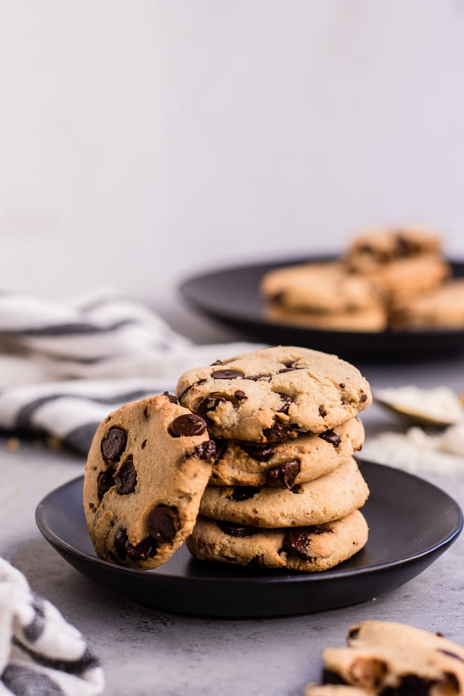 Healthy Keto Friendly Chocolate Chip Cookies