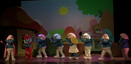 The Smurfs Live on Stage 9 - PeanutGallery247