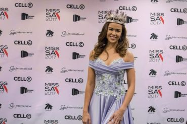 New Miss South Africa 2017 Adè van Heerden - PeanutGallery247