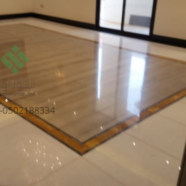 Clear-marble-and-tiles023