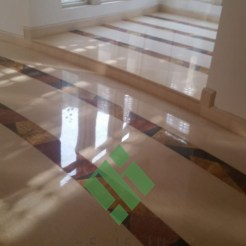 Clear-marble-and-tiles046