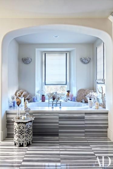 khloe-kardashian-home-house-inside-decpratio-architectural-digest-12-373x560