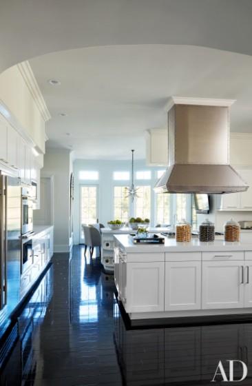 khloe-kardashian-home-house-inside-decpratio-architectural-digest-7-366x560
