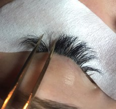 How Do I Become An Eyelash Extension Artist - Getting Started