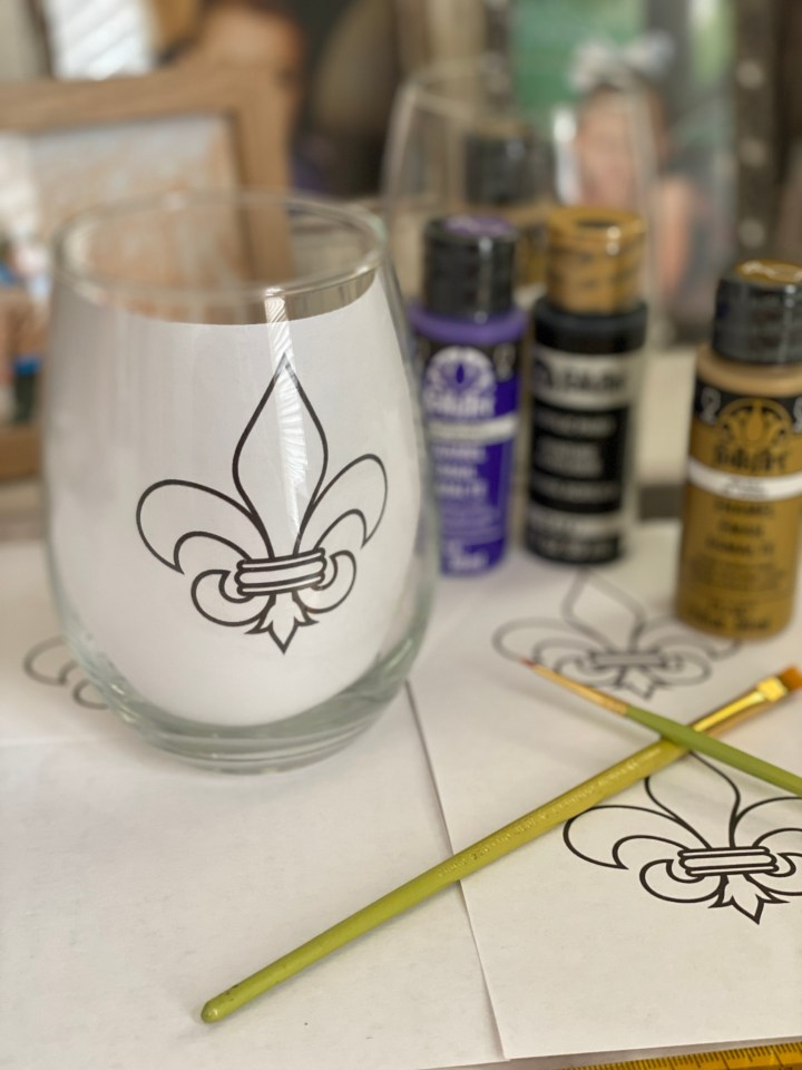 How to paint a wine glass