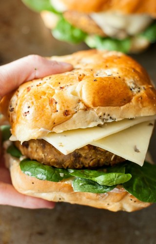 Butternut Black Bean Burgers :: Say hello to your new favorite veggie burger!
