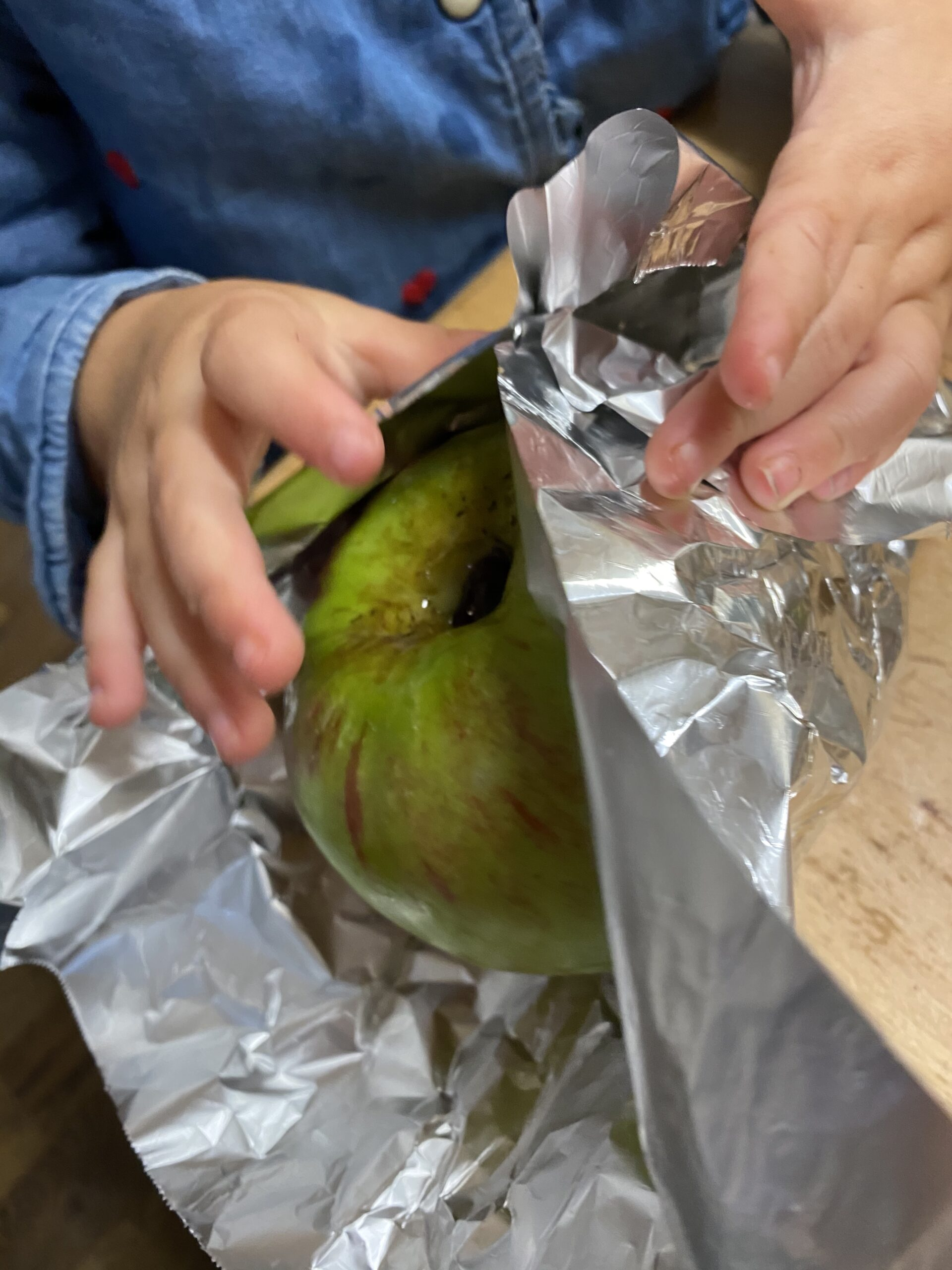 wrapping apple in foil