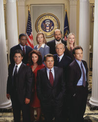 200px-west_wing_cast.jpg