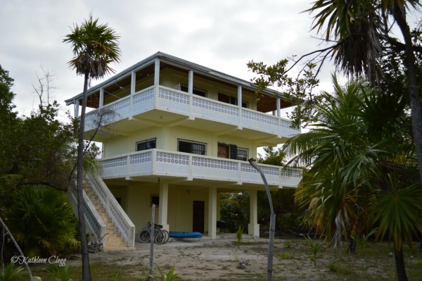 Selecting Vacation Accommodations Caye Caulker Belize