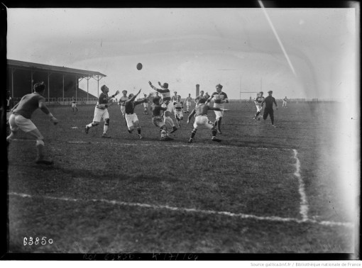 Agence Rol, Stade Bergeyre, rugby, Olympique contre SCUF, photographie, 1921, Gallica/BnF