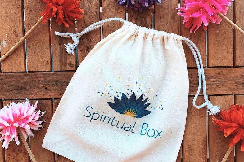 Les petits bonheurs et favoris Lifestyle - Spiritual box : bien-être et développement personnel