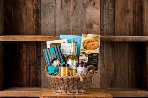 Sweet & Savoury Almonte gift basket
