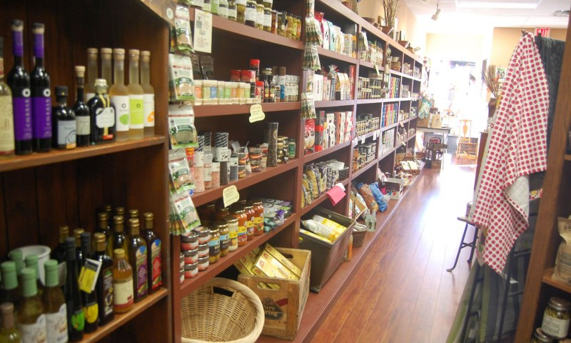Almonte's fine food source for crackers, chutneys, oils, vinegars and more