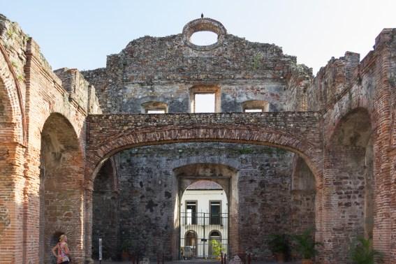 IGLESIA SANTO DOMINGO AND THE FLAT ARCH.