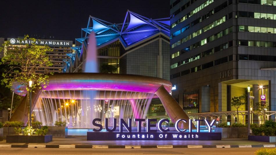 SunTec City Fountain of Wealth