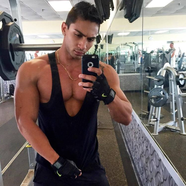 Pectease muscle selfie tank top stretched