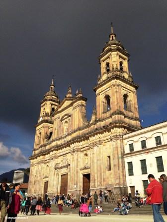 Catedral bajo los climas cruzados de Bogotá
