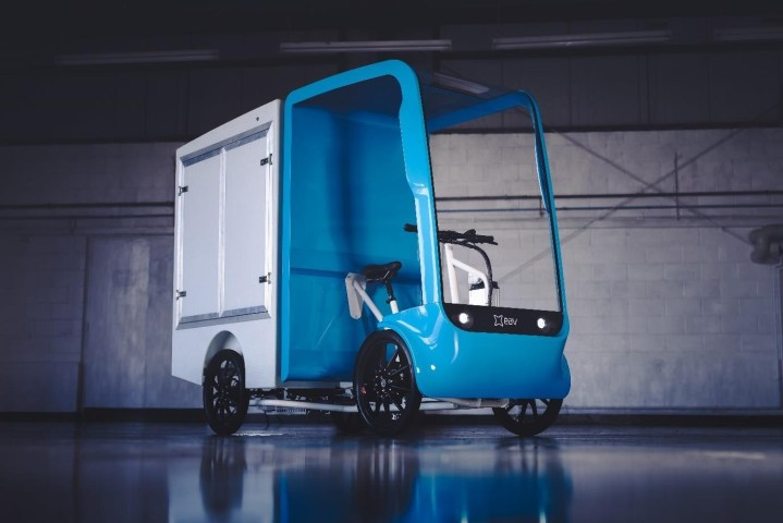 EAV LAUNCHES REVOLUTIONARY NEW ECARGO CHASSIS CAB PLATFORM