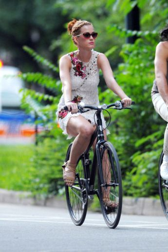 pedal-glamour-kate-perry