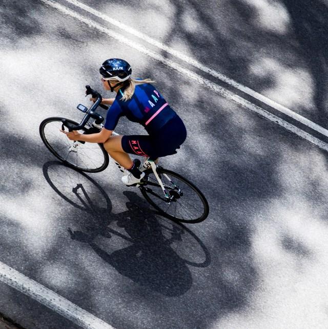 Bicicleta como esporte para quem tem o mínimo de senso estético. Sim, é possível.