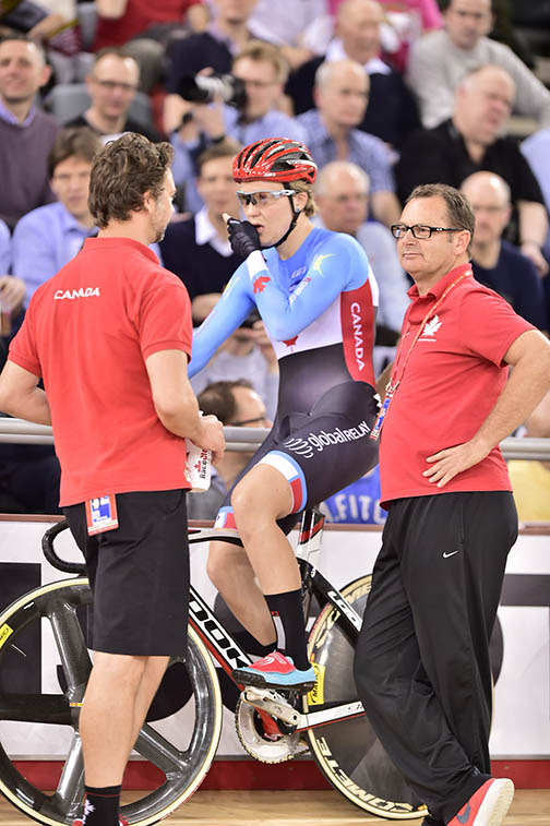 Stef Roorda gets ready with Canadian coaches Ian Melvin and Craig Griffon [P] Guy Swarbrick