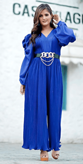 Have you seen Anjali Raghav's new look in  fashionable blue jumpsuit ?