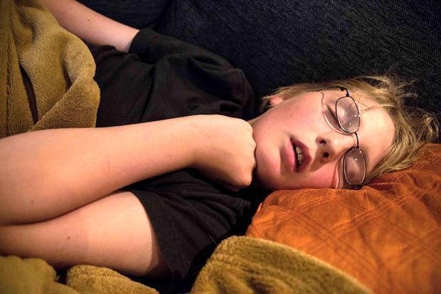 https://i1.wp.com/pediatric-house-calls.djmed.net/wp-content/uploads/2014/07/sleep-boy-glasses.jpg