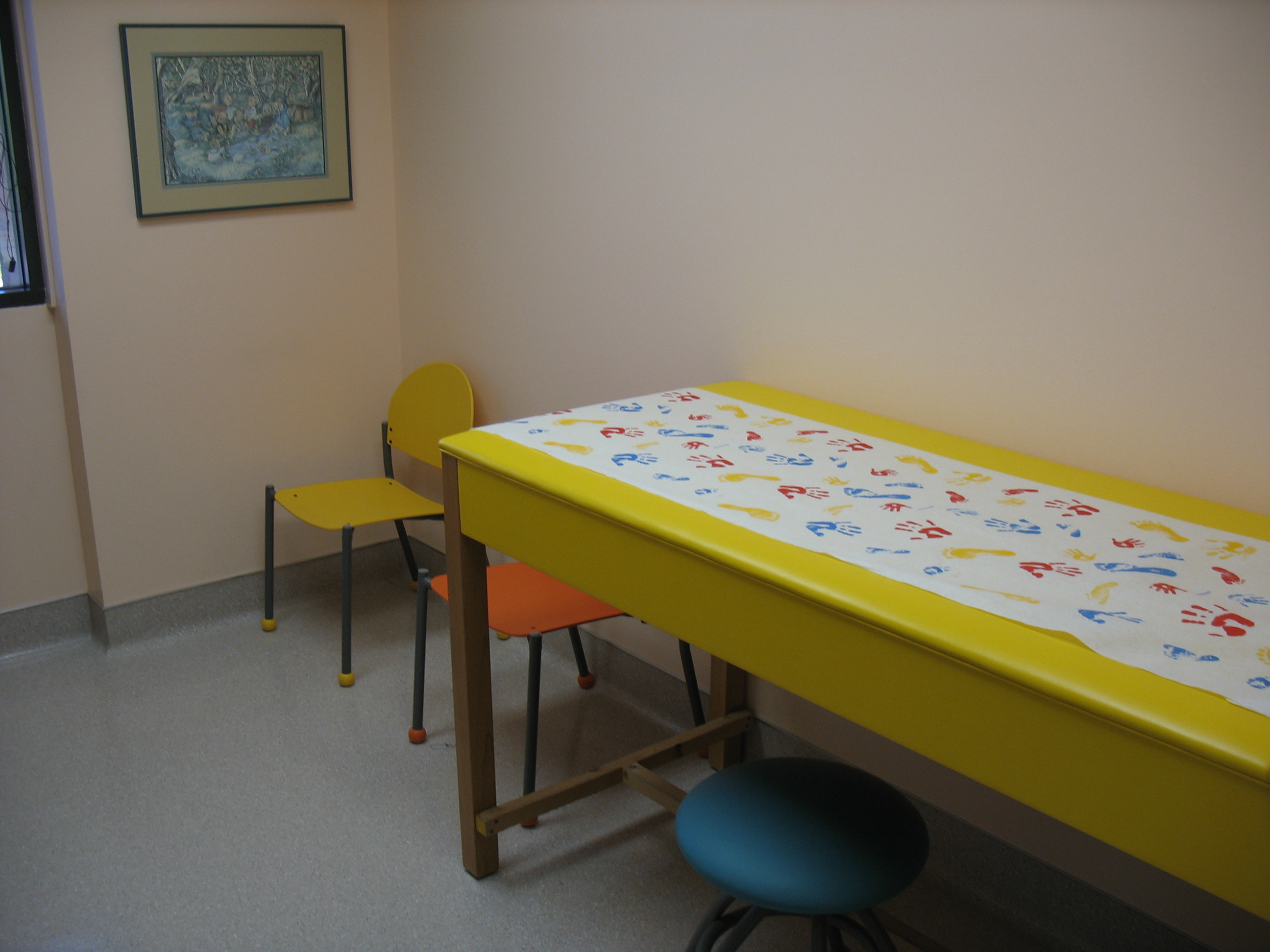 Oskie Pediatrics Affordable And Colorful Waiting Room