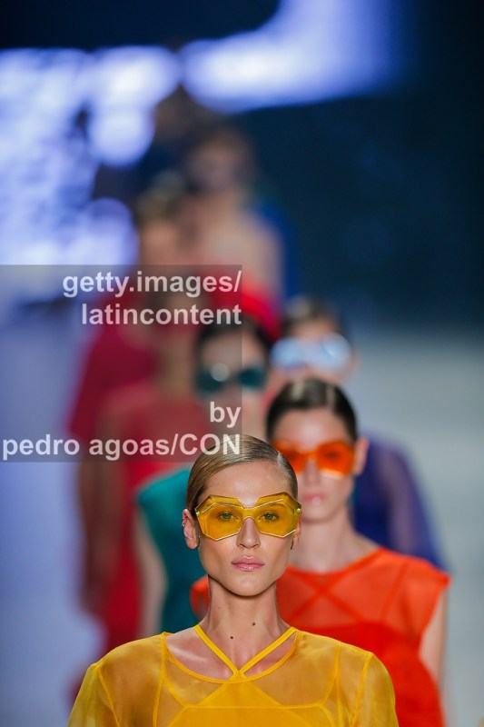 SAO PAULO, BRAZIL - MARCH 21: Osklen front stages its Summer 2013/2014 Collection during São Paulo Fashion Week (SPFW) on March 21, 2013 in São Paulo, Brazil. (Photo by Pedro Agoas/LatinContent/Getty Images)