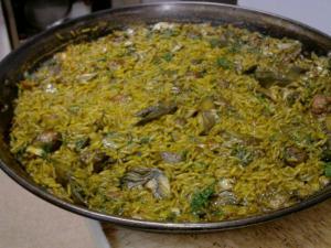 Paella de Alcachofas con Gambas
