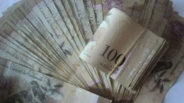 Billete de Bs. 100 estará vigente hasta el 20 de mayo - Billete de Bs. 100 estará vigente hasta el 20 de mayo