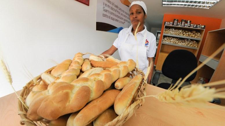 Panadería CLAP N° 17 producirá 3 mil panes diarios - Panadería CLAP N° 17 producirá 3 mil panes diarios