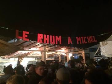 Le Rhum à Michel, qui borde la petite scène.