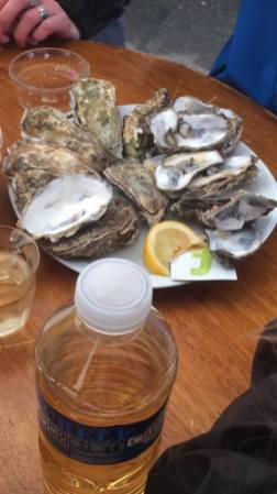 La possibilité de manger des huîtres !