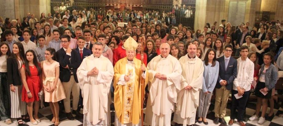 Confirmaciones 2018 de 104 fieles de nuestra Parroquia en la Catedral