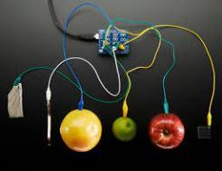 A variedade de ligações possíveis com sensores capacitivos