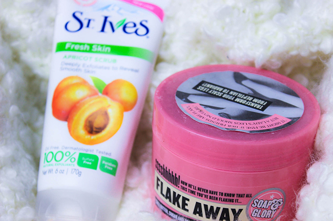 St. Ives Gommage-revue-Flake Away de Soap & Glory-revue1