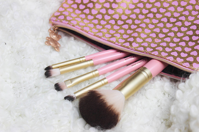 Absolute Essentials- Set de pinceaux TOO FACED-35
