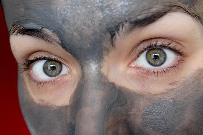 Masque-desincrustant- Charbon-clinique-7
