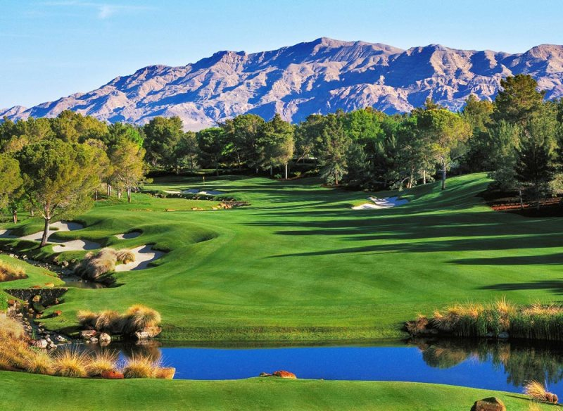 20+ Iconic Bucket List Golf Courses Every Golfer Should Play 10
