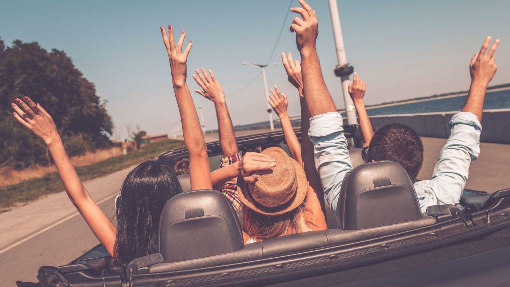 7 Best Ways to Stay Awake on Long Drives During A Roadtrip