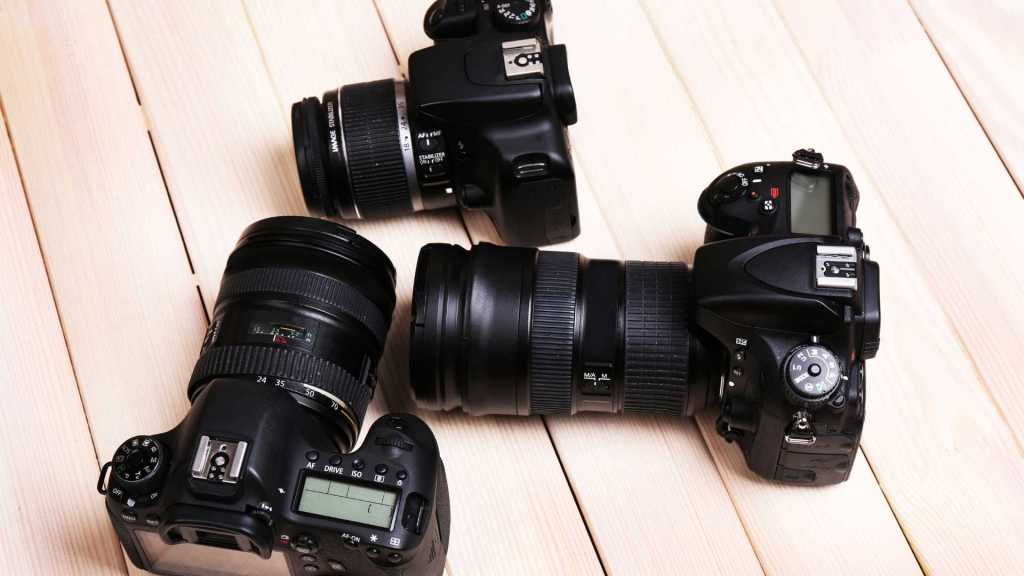 Mirrorless VS DSLR Cameras - 10 Key Differences