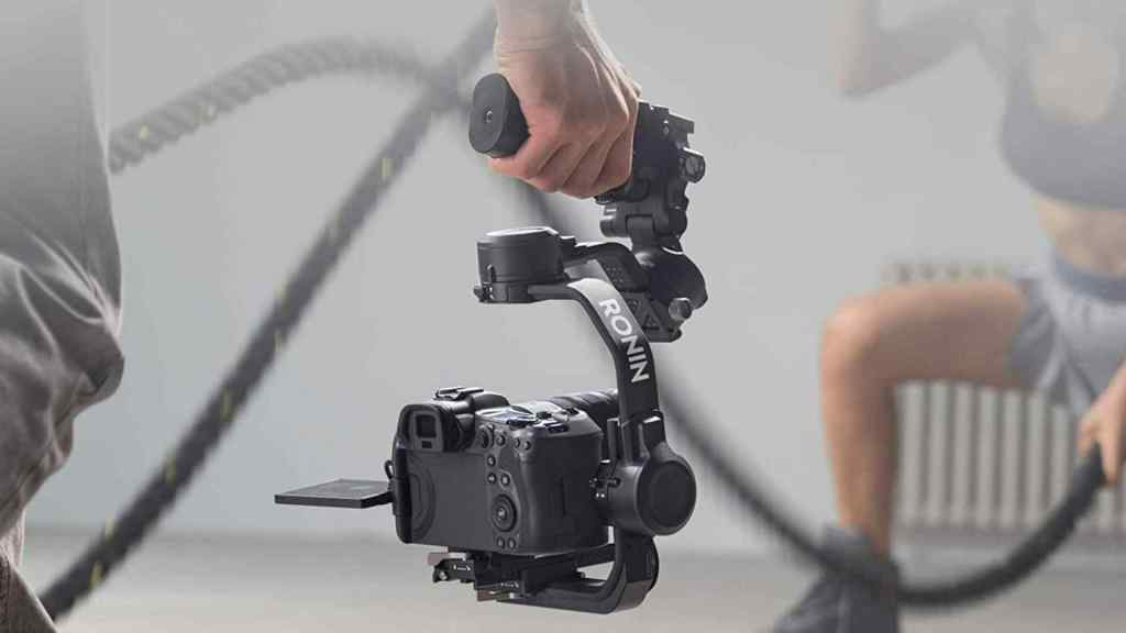DJI RSC 2 – 3 Axis Gimbal Stabilizer for DSLR and Mirrorless Camera