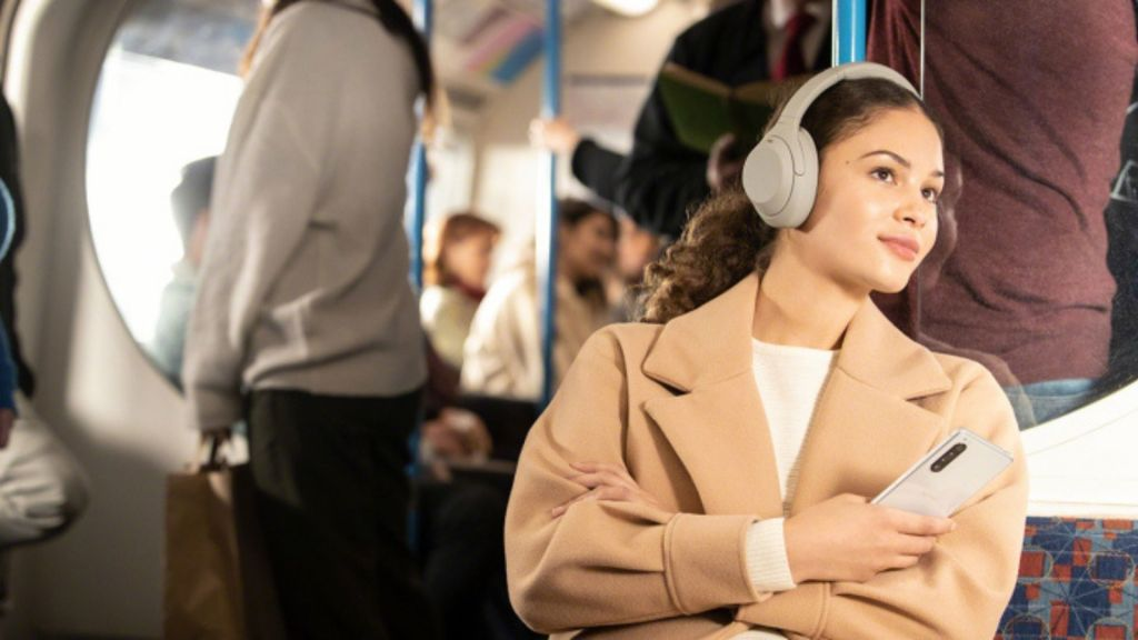 Bose NC700 Vs Sony WH1000XM4: Who Will Win?