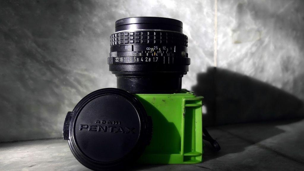 50mm lens size