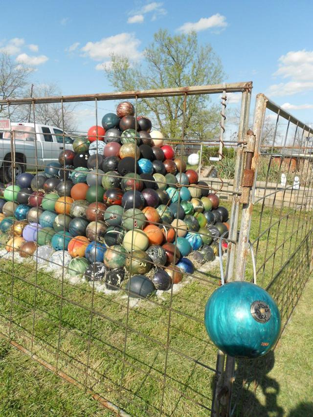 Make Bowling Ball Yard Art