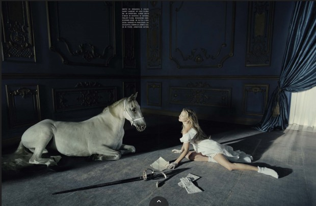 www.pegasebuzz.com | Kate Moss by Tim Walker for Vogue Italia, december 2015