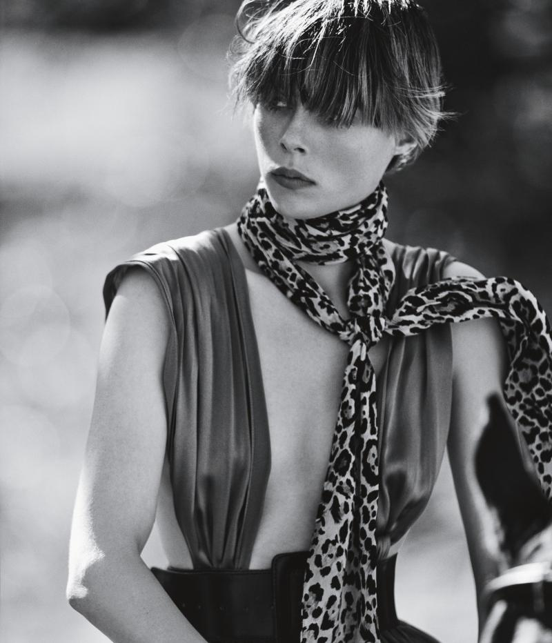 www.pegasebuzz.com | Edie Campbell by Mikael Jansson for Wall Street Journal Magazine, june 2016