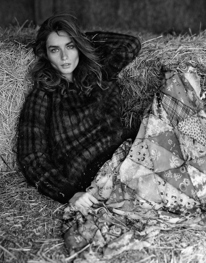 www.pegasebuzz.com | Andreea Diaconu by Dan Martensen for Vogue Paris, août 2017