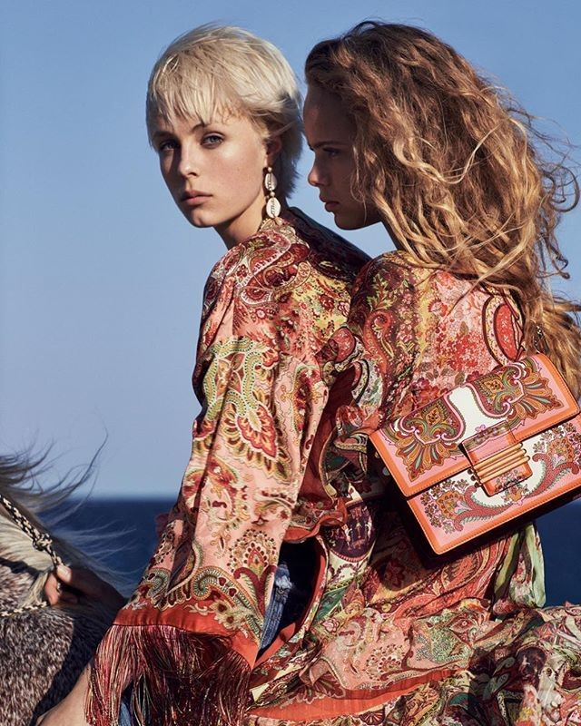 www.pegasebuzz.com | Edie Campbell by Cass Bird for Etro, spring-summer 2019.